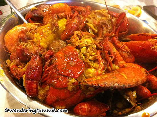 Seafood Shack Westminster CA, cajun crawfish, cajun clams, cajun lobster, cajun shrimp, cajun corn, cajun potatoes, cajun sausages, louisiana crawfish, seafood